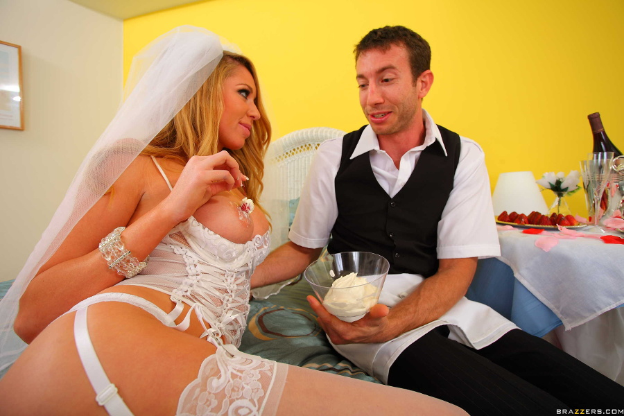 [BabyGotBoobs.com / Brazzers.com] Brynn Tyler - Consummating The Marriage [2010, Straight, Oral, Big Tits, Lingerie, Blonde, 1080p]