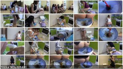 MilanaSmelly - The girls liked this feeding tool [Scat Humiliation / 1.94 GB] HD 720p (Femdom, Shitting)